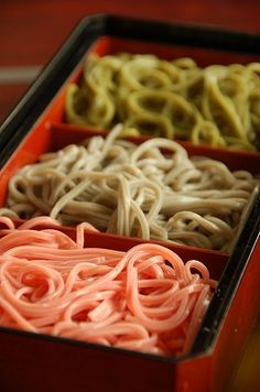 3-Color Japanese Soba Buckwheat Noodles (Flavored Matcha Green Tea, Standard Buckwheat, and Pink Ume Plum)|三色そば