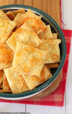 YUMMY - Homemade White Cheddar Cheez-It Crackers (These were DELICIOUS!! Can't stop eating them!!)