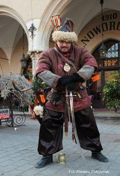 Kraków street photo....mongolski wojownik