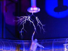 New free stock photo of show electricity flash via Pexels https://www.pexels.com/photo/man-near-lightning-68481/