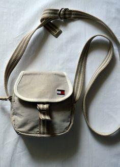 Kup mój przedmiot na #vintedpl http://www.vinted.pl/damskie-torby/portmonetki/10713943-torebka-tommy-hilfiger-nerka-saszetka