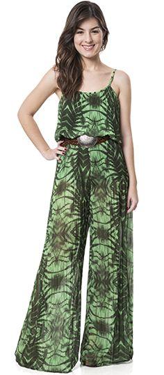 O mood tropical está em alta e o verde profundo pega carona nessa trend.