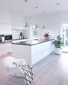 8 veces he visto estas radiantes cocinas abiertas. Home Decor Kitchen, Kitchen Living, Kitchen Interior, Home Interior Design, Home Kitchens, Kitchen Ideas, Open Plan Kitchen, Kitchen Layout, Cuisines Design