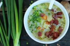Tradycyjna zupa ziemniaczana z chrupiącymi skwarkami - Sprawdź przepis