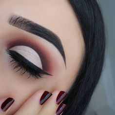 Makeup goals!! Are we right ladies? @thecutestberry used: • Latte • Wild West • Bitten • Cherry Cola • Corrupt • Shimma Shimma Tap the link in our bio to shop this look.