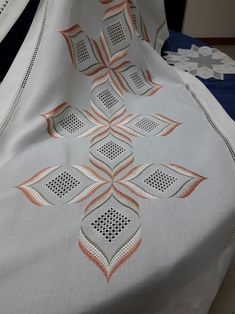 Discover thousands of images about Hardanger Embroidery, Cross Stitch Embroidery, Cross Stitch Patterns, Drawn Thread, Thread Work, Bargello Needlepoint, Palestinian Embroidery, Swedish Weaving, Free To Use Images
