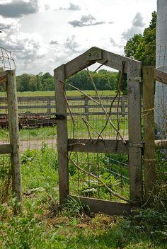 rustic gate...love | http://beautifulgardendecors.blogspot.com