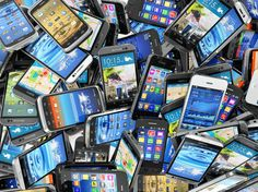 The latest smartphone sales figures make for bleak reading for the big brands. For the first time on record, global smartphone sales have fallen, down by in the last quarter of compared to the same period in Have we fallen out of love with smartphones? Microsoft, Samsung Galaxy S6, Mobile Marketing, Digital Marketing, Marketing Books, Marketing News, Social Marketing, Smartphone Reconditionné, Mobiles
