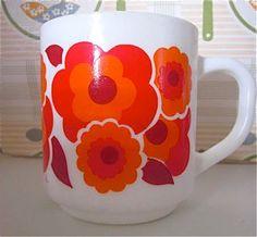 Vintage Arcopal Mugs Vintage Dishes, Vintage Kitchen, Floral Motif, Pyrex, My Childhood, Cup And Saucer, Flower Power, Dinnerware, Pots