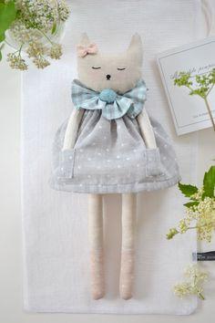 """lespommettesduchat.bigcartel.com """"Ma petite poupée de lin"""""""