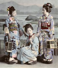 Hunting Fireflies by Kajima Seibei 1897. This black and white photograph of threehangyoku (young geisha) from the Shinbashi geisha district of Tokyo huntingfireflies, was taken in 1897 by Kajima Seibei.
