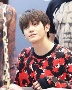 #Taeyong omo he's sooo cute >~<