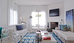 Azul no branco. Veja: http://www.casadevalentina.com.br/projetos/detalhes/azul-no-branco-684 #decor #decoracao #interior #design #casa #home #house #idea #ideia #detalhes #details #openhouse #style #estilo #casadevalentina #blue #azul #white #branco #livingroom #saladeestar
