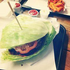 Keto burger #ketoburger #fletchersbestburger #fletchersfrankfurt #nobun #proteinftw #bacon #bacondiet #keto #meatishealthy #mydietismeat #nocarbs