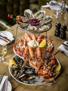 New Seafood Platter Presentation Appetizers Ideas Seafood Buffet, Seafood Platter, Seafood Dishes, Seafood Recipes, Cooking Recipes, Seafood Appetizers, Seafood Boil, Sauce Recipes, Gastronomia