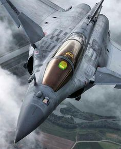 Getting close to the Rafale Air Fighter, Fighter Pilot, Fighter Aircraft, Fighter Jets, Military Jets, Military Aircraft, Rafale Dassault, Jas 39 Gripen, Naval