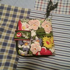 Vera Bradley wallet In excellent shape to great condition.  Smoke free home.  Has zipper all the way around it. Vera Bradley Bags Wallets