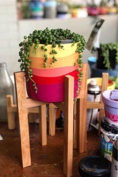 Terracotta Paint, Terracotta Flower Pots, Painted Flower Pots, Painted Plant Pots, Decorated Flower Pots, Flower Pot Art, Flower Pot Design, Pot Plante, Succulent Pots