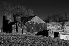 Libertytown Barn - An old barn in the late afternoon sun.