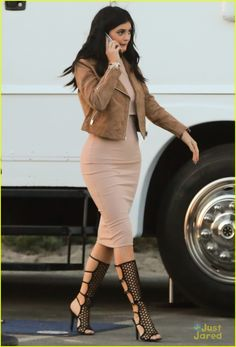 kylie jenner tyga do it again video 08