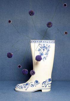 SARAH ILLENBERGER Sarah Illenberger, Lost In Thought, Cream Soda, Ikebana, Blue Cream, Set Design, Still Life, Illustrator, Berlin