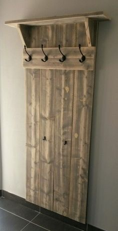 Foyer Design, Design 24, Diy Wood Projects, Woodworking Projects, Scaffolding Wood, Barber Shop Decor, Barbershop Design, Salon Interior Design, Foyer Decorating