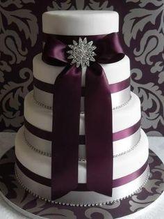 cinta púrpura pastel de bodas por barb.meeker1