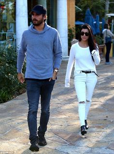 #ScottDisick Takes #KourtneyKardashian To lunch Without The Kids   Back Together? =>http://wp.me/p64kJc-1xS