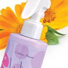 Spray per capelli lucidante e districante