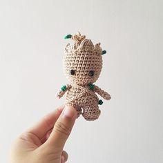 New Photo crochet amigurumi keychain Thoughts Baby groot – Crochet Animal Patterns, Stuffed Animal Patterns, Crochet Patterns Amigurumi, Amigurumi Doll, Crochet Animals, Crochet Dolls, Crochet Stitches, Disney Crochet Patterns, Plushie Patterns