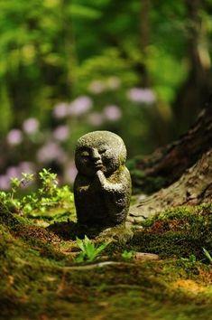 Jizo statue at Sanzen-in temple, Kyoto, Japan 三千院