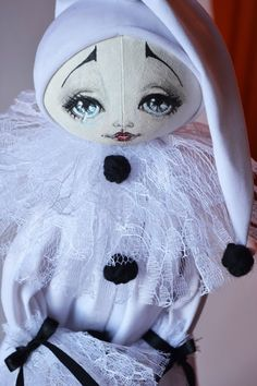 collection of dolls - February 2012 - Tilda doll. Everything about Tilda, patterns, master classes. Doll Head, Doll Face, Bjd Dolls, Doll Toys, Clowns, Arte Punch, Pierrot Clown, Carnival Masks, Polymer Clay Dolls