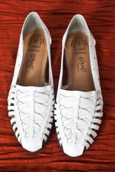 Vintage White Leather Huaraches (W 9)