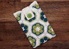Ravelry: shutterbugette's African Flower Kindle Cozy