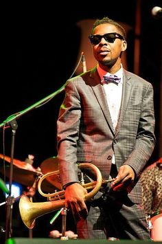 """ Roy Hargrove, Grammy-Winning Jazz Trumpeter, Dies At RIP Roy Hargrove "" Jazz Artists, Jazz Musicians, Jazz Trumpet, Trumpet Music, Music Tones, Jazz Blues, Blues Music, Texas Music, Contemporary Jazz"