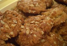 My name is Anne and I love posting Aussie recipes, this page is about anzac biscuits recipe Recipe. Anzac biscuits make it at home recipe. Chewy Anzac Biscuits Recipe, Biscuits Anzac, Biscuit Recipe, Cookies Et Biscuits, Traditional Australian Food, Strudel, Cookie Dough Fundraiser, Nutrition Holistique, Gastronomia