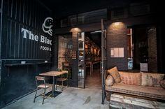 Entrada #hamburguesería The Black Turtle® en barrio Ruzafa, Valencia. www.theblackturtle.es