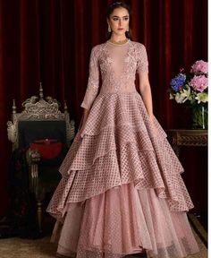 New dress long indian gowns 45 ideas Indian Designer Outfits, Designer Gowns, Indian Outfits, Western Gown, Western Dresses, Party Wear Dresses, Bridal Dresses, Latest Gown Design, Trendy Dresses