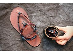Handmade leather sandals with style. by Hippiestyle on Etsy Paracord, Gladiator Sandals, Leather Sandals, Possible Combinations, Leather Conditioner, New Model, Huaraches, Cowhide Leather, Barefoot