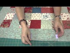 How to Make a Scalloped Edge on a Quilt.