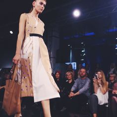 Tribute to Nolo. #fashion #tallinnfashionweek #TFW #nolo #nolofashion #asymmetricaldress #patterneddress #totebag #tallinnstreetstyle #TSS