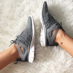 All in the details!  @_agirlobsessed gets comfy with the Nike Free Viritous Fleece Sneakers featuring a fleece upper for extra coziness. Shop these must have kicks now at Stylerunner.com  #stylerunner #stylesquad by stylerunner