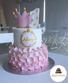 2 Year Old Birthday Cake, Baby Girl Birthday Cake, Beautiful Cakes, Amazing Cakes, Christening Cake Girls, Cool Cake Designs, Girl Cakes, Baby Party, Baby Shower Decorations