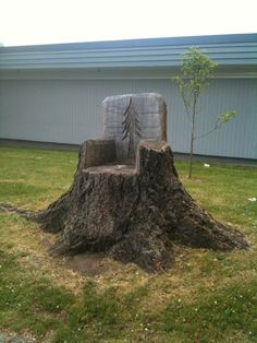 Tree Stump Chair. @Shawna Bergene Bergene Elston I could see you doing this!