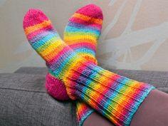 Villasukan kantapää – kolme ohjetta - Yhteishyvä Socks, Knitting, Crochet, Color, Adidas, Awesome, Fashion, Moda, Tricot