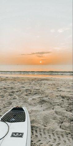 Orange Aesthetic, Beach Aesthetic, Travel Aesthetic, Summer Aesthetic, Beach Wallpaper, Summer Wallpaper, Foto Poster, Images Esthétiques, Applis Photo