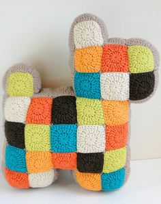 {Free Pattern] Insanely Cool And Easy Patchwork Dog Pillow That Kids And Adults Will Enjoy