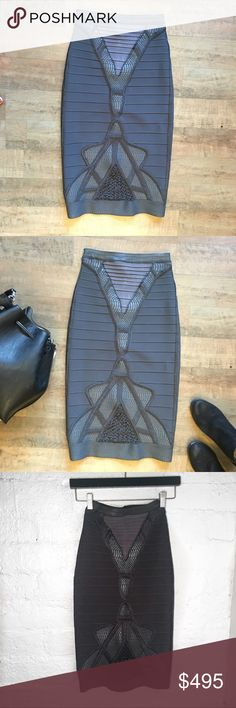 Herve Leger Bandage Skirt Hidden zipper on side with clasp  Black and white print  Lined  98% Cotton 2% Spandex   Waist: 12.5in Length: 19in Size: 00    Condition: Like New, No Damage   No Pets  Non-Smoking home  Every item steamed throughly before shipped! Herve Leger Skirts Pencil