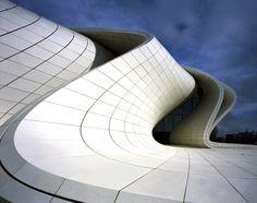 Centro Heydar Aliyev / Zaha Hadid Architects  © Hélène Binet