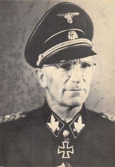 """✠ Herbert Otto Gille (8 March 1897 – 26 December 1966) RK 08.10.1942 SS-Oberführer Kdr Art.Rgt der SS-Div """"Wiking"""" [315. EL] 01.11.1943 SS-Brigadeführer und Generalmajor der W-SS Kdr SS-Pz.Gren.Div """"Wiking"""" [47. Sw] 20.02.1944 SS-Gruppenführer und Generalleutnant der W-SS Kdr 5. SS-Pz.Div """"Wiking"""" [12. Br] 19.04.1944 SS-Gruppenführer und Generalleutnant der W-SS Kdr 5. SS-Pz.Div """"Wiking"""""""
